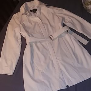 Eddie Bauer Cream Collared Trench
